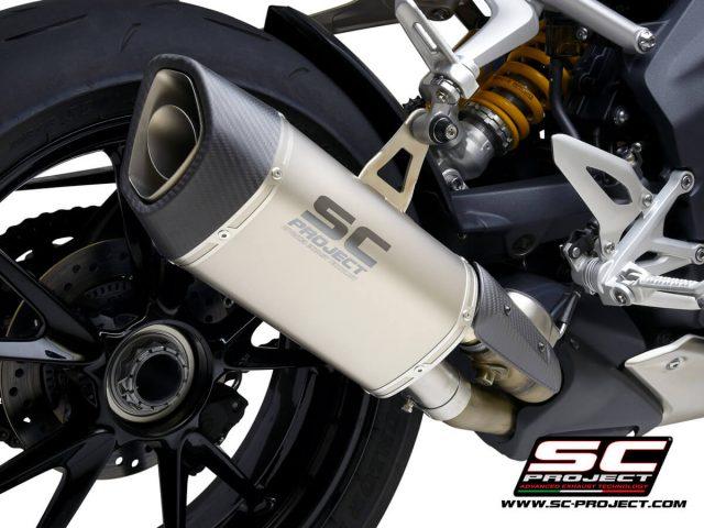 TRIUMPH SPEED TRIPLE 1200 RS (2021) - RR SC1-R GT Muffler, Titanium, with Carbon fiber end cap